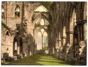 Abbey_interior,_looking_E_,_Tintern,_England-LCCN2002708166_tif